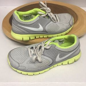 Nike Neon Lightweight Running Athletic Sneakers